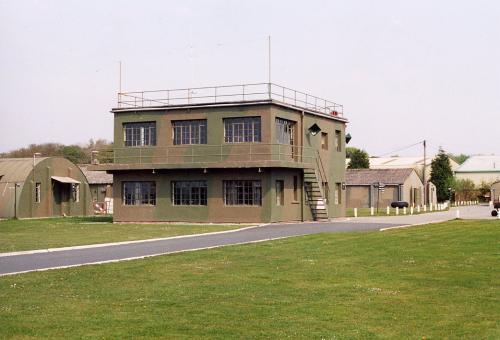 Land Rover Halifax >> Clash of Steel, Image gallery - Elvington Control Tower